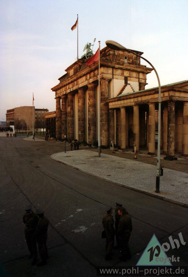 M Bel G Rtner der fall der berliner mauer 10 november 1989